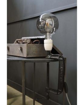 Crowe bordlampe med skruetvinge